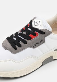 Replay - CLASSIC FREE - Trainers - white/red/grey - 5