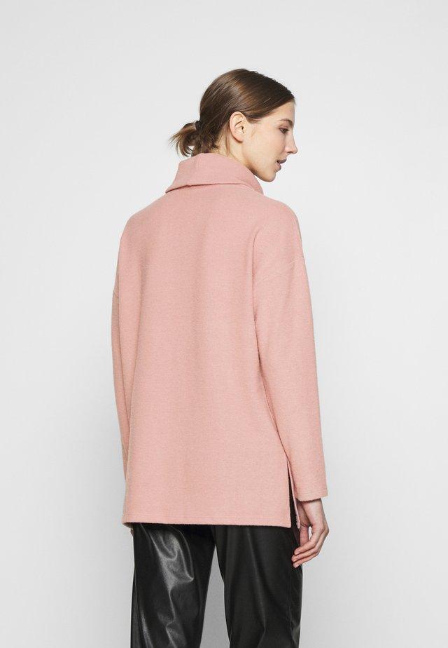 BELLA LONGLINE - Strikkegenser - mid pink