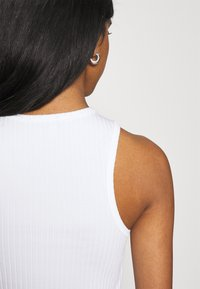 BDG Urban Outfitters - HIGH TANK - Top - white - 5