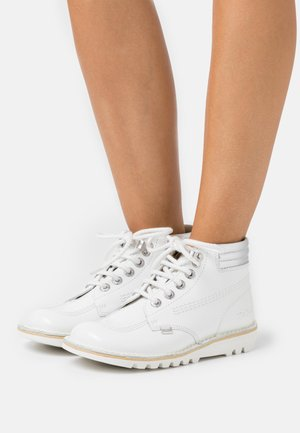 KICK THROWBACK - Ankle boots - white
