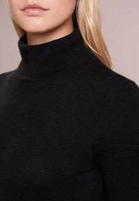 pure cashmere - TURTLENECK DRESS - Maxi šaty - black - 4