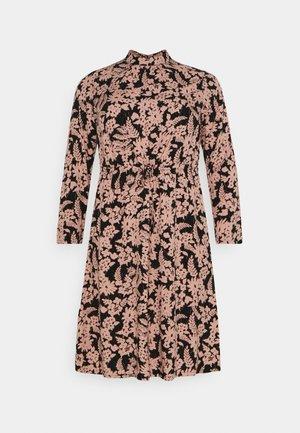 PCZINE DRESS CURVE - Vestido informal - black/misty rose