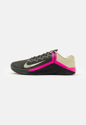 METCON 6 UNISEX - Sports shoes - newsprint/veranda/pink blast/veranda