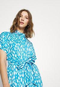 Monki - LEXI SHIRTDRESS - Skjortekjole - blue bright - 4