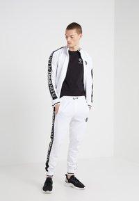 Plein Sport - ROUND NECK ORIGINAL - T-shirts basic - black - 1