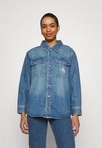 Calvin Klein Jeans - OVERSHIRT - Skjorte - blue - 0