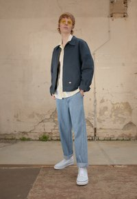 Obey Clothing - HARD WORK CARPENTER - Jeans a sigaretta - light indigo - 1
