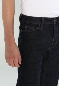 Mustang - PANTS - Straight leg jeans - stone washed - 3