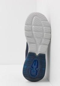 Skechers Performance - GO WALK AIR - Chaussures de running neutres - navy blue - 4