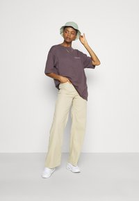 Lee - STELLA A LINE - Flared Jeans - sand - 1