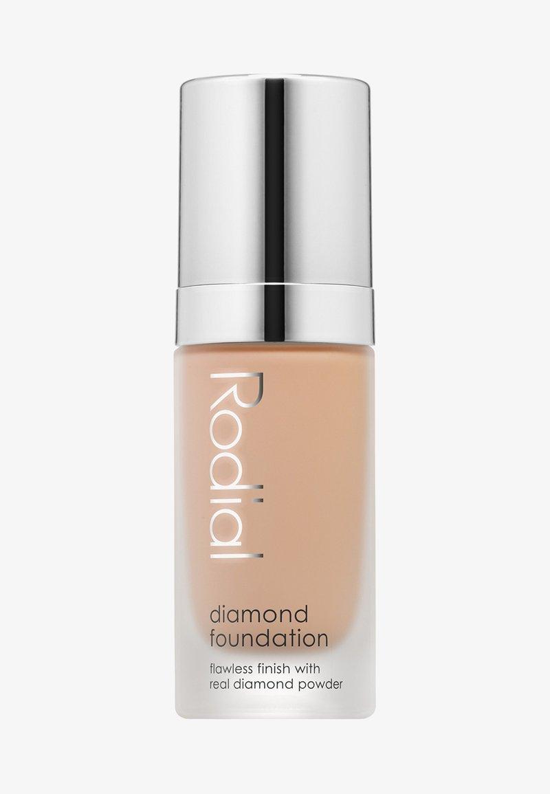 Rodial - DIAMOND FOUNDATION 30 ML - Foundation - shade 3