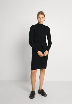 VIPILLA TIE BELT DRESS - Strikket kjole - black