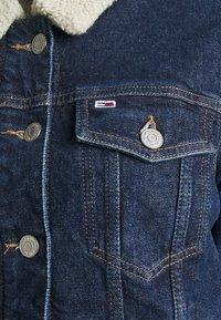 Tommy Jeans - TRUCKER JACKET  - Denim jacket - oslo dark blue - 6