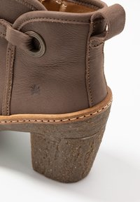 El Naturalista - HAYA - High heeled ankle boots - pleasant plume - 2