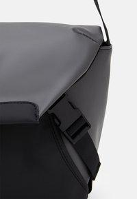 Pier One - Across body bag - grey - 3
