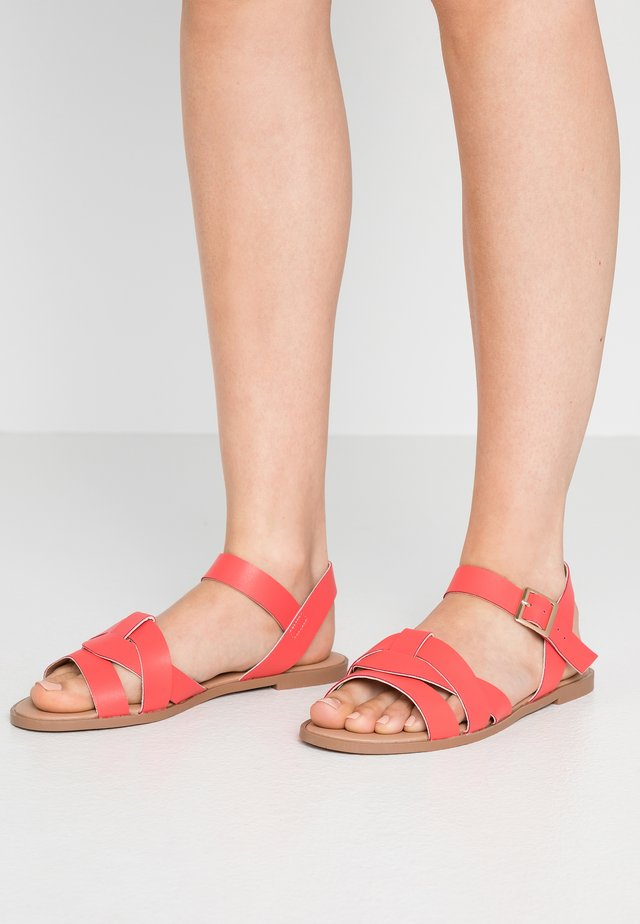 COMFORT FLY TWO PART  - Sandals - coral