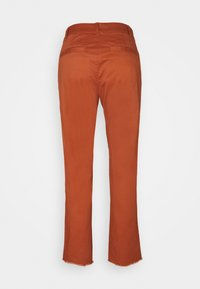 GAP - GIRLFRIEND UTILITY  - Pantalones - rusty