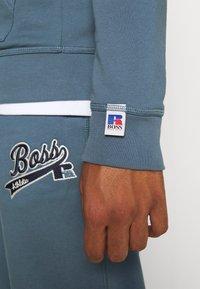BOSS - BOSS X RUSSELL ATHLETIC SAFA - Kapuzenpullover - bright blue - 5