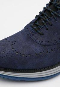 Cole Haan - ORIGINALGRAND ULTRA WING - Sznurowane obuwie sportowe - marine blue/black/harbor mist/true blue - 5