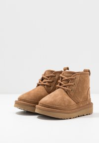 UGG - NEUMEL - Lace-up ankle boots - chestnut - 3