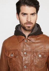 Serge Pariente - JEAN JACKET HOOD - Leather jacket - cognac - 4