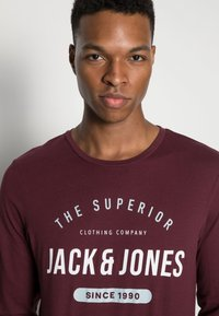 Jack & Jones - JJHERRO TEE CREW NECK - Long sleeved top - port royale - 4