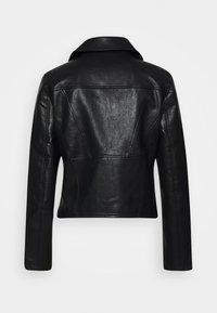 NA-KD - SHORT BACK BIKER JACKET - Leather jacket - black - 7