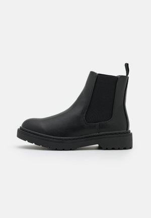VEGAN FILLIPA COMBAT GUSSET BOOT - Platform ankle boots - black smooth