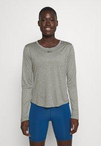 Nike Performance - ONE - Top sdlouhým rukávem - particle grey/heather/black - 0