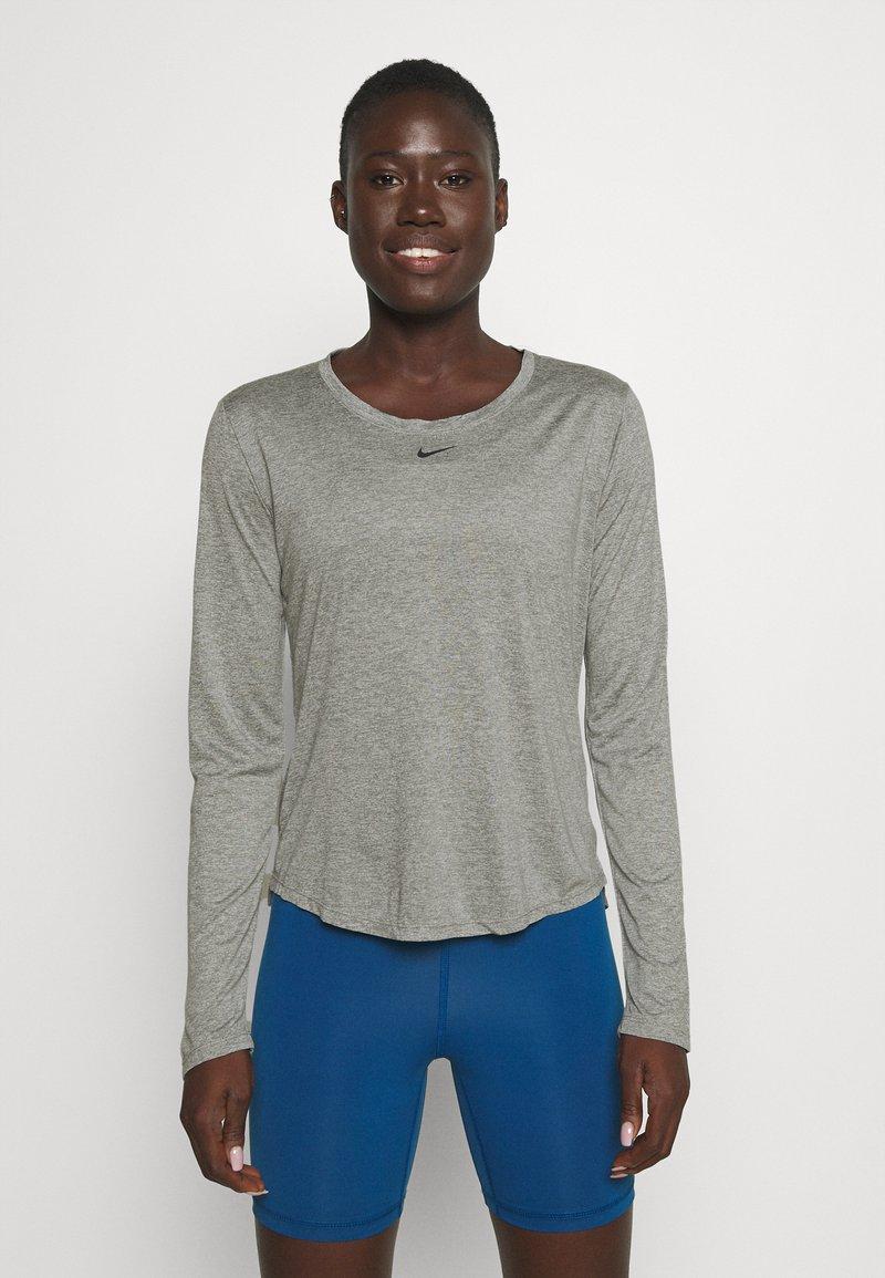 Nike Performance - ONE - Top sdlouhým rukávem - particle grey/heather/black
