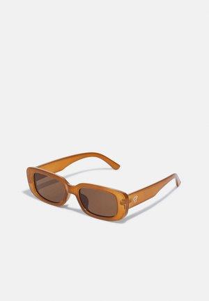 NICOLE UNISEX - Okulary przeciwsłoneczne - mustard/brown