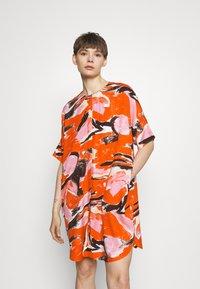 Monki - Day dress - artyred print - 0