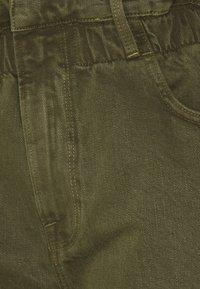 Frame Denim - ELASTIC WAIST - Shorts - washed moss - 2