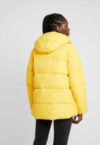 GAP - MW FASHION PUFFER - SOLID - Chaqueta de invierno - bold yellow - 2