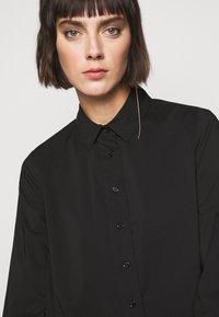 Steffen Schraut - CLEMANDE URBAN - Button-down blouse - black - 4