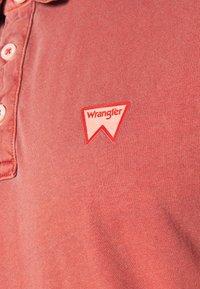 Wrangler - Polo shirt - barn red - 5