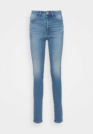 Skinny džíny - middle blue