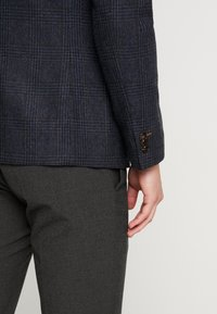 Burton Menswear London - RUST CHECK - Blazere - navy - 4