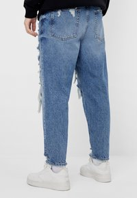 Bershka - Relaxed fit jeans - blue denim - 2