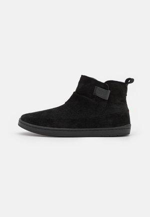 SERVE - Ankle Boot - black
