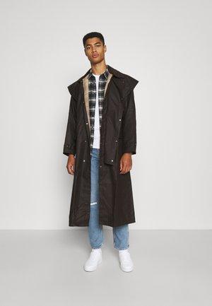 STOCKMAN COAT - Klasický kabát - brown