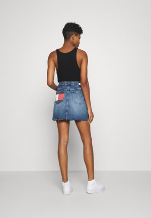 SHORT SKIRT FLY - Denim skirt - mid blue rigid