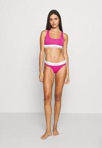 Calvin Klein Underwear - MODERN THONG - String - bright magenta - 1