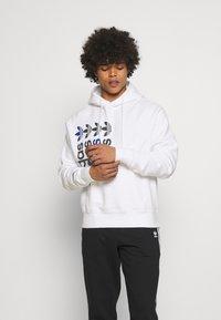 adidas Originals - HOODY UNISEX - Sweatshirt - white - 0
