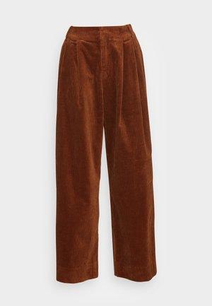 ORGANIC CORDUROY - Pantalones - ginger bread