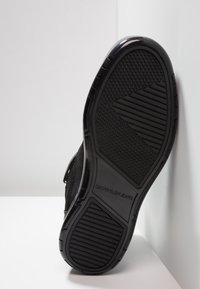 Calvin Klein Jeans - NIGEL - Sneakers high - black - 4