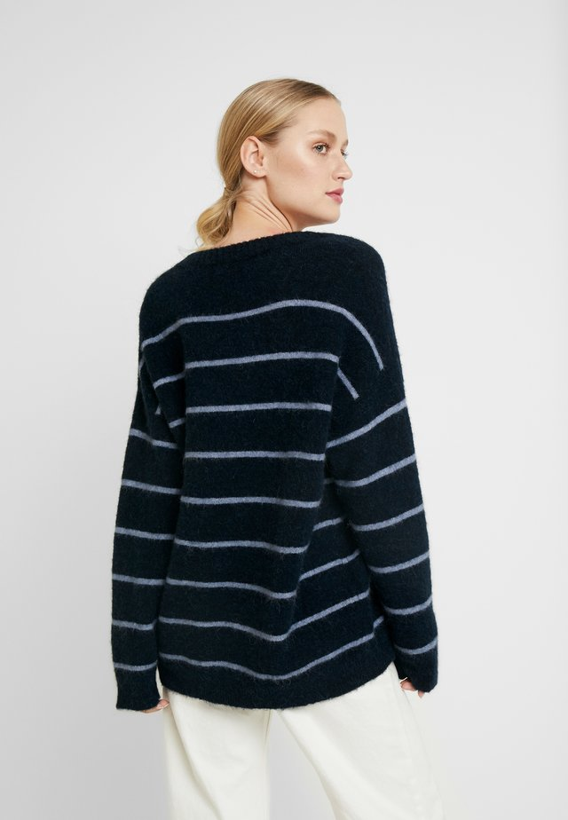 EVERYDAY - Maglione - sky captain with blue bone