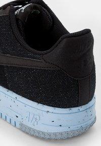 Nike Sportswear - NIKE CRATER - Sneakers laag - black/black-chambray blue - 5