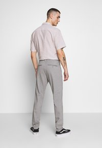 Only & Sons - ONSMARK PANT STRIPE - Tygbyxor - light grey melange - 2