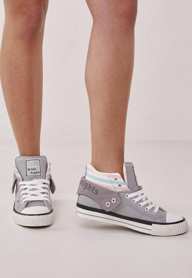 ROCO - Trainers - light grey
